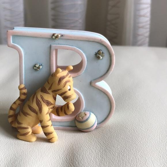 Disney - Winnie the Pooh Alphabet Letter B